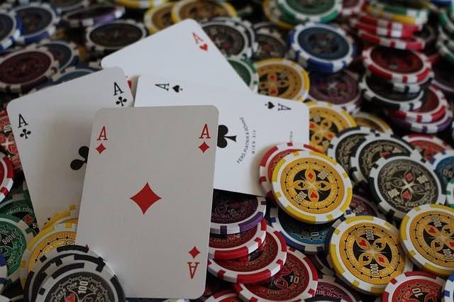Blackjack : pourquoi y jouer dans un casino en ligne ?