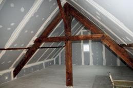 Tout sur la méthode d'isolation par l'extérieur d'une toiture: le sarking!
