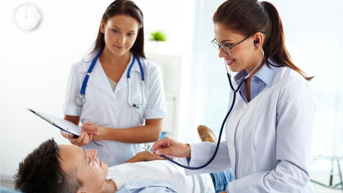 Reconnaître une urgence médicale en attendant le médecin de garde à Strasbourg