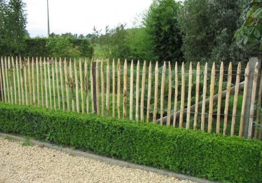 Commerce : les avantages de la clôture ganivelle pas cher