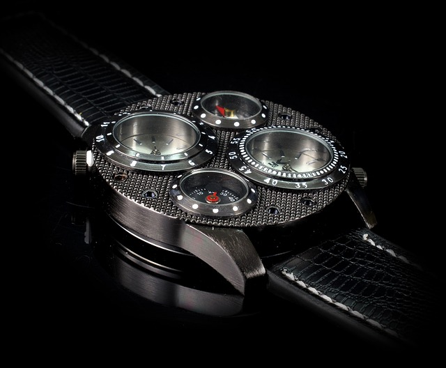 Les différences entre une montre Orient automatique et une montre à quartz